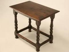Table In Antique Design In Very Affordable Price Available