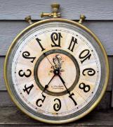 Antique Wall Clock In Excellent Condition