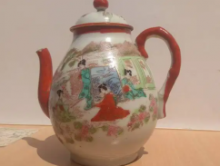 Antique beautiful hand painted Chinese Kettle