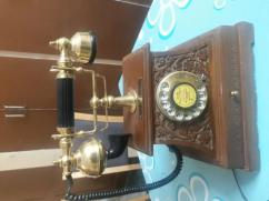 Antique landline for sale with minor issue