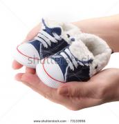 ill dial in all type of imported kids foot wear in bulk quantity