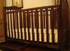 Wooden Cot In Very Ultimate Condition