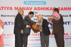 Sandeep Marwah Presented Awards on International Human Rights Day