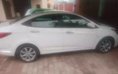 well maintain Single hand Hyundai Verna Car