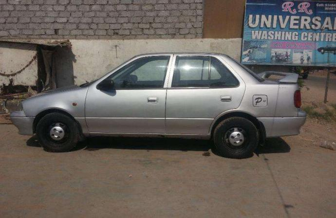 Maruti esteem lpg in mint condition with full tank gas.