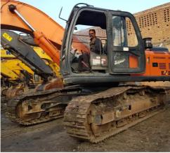Tata Hitachi Ex 200 LC Super Excavator for Sale in Punjabi Bagh Delhi