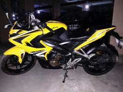 Bajaj Pulsar RS 200 (yellow) - 2016 model for sale
