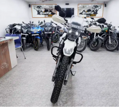 Hero XPULSE 200 FI ABS brake showroom condition JUST 4 month bike