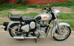 Royal Enfield Classic   Year 2013