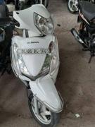 White in color Honda aviator