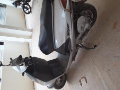 Two-wheeler Kinetic honda dio, grey silver colored