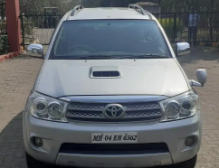 Toyota Fortuner 3.0 Manual model 2010
