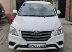 Toyota Innova 2.5 G4 8 STR model  2014