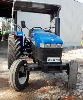New Holland Tractor 5500 model