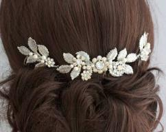 Fancy Hair Pin With American Diamond
