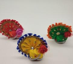 Decorated Kanha Ji Mukut with Flower