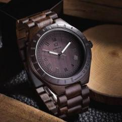 Wrist Watch In Fab Design