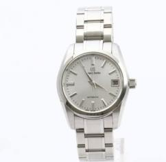 Wrist Watch For Men With Silver Chain Available