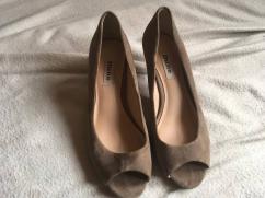 Footwear in very elegant Design