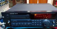 Tascam DA-40 Digital Audio Tape Deck (1999)