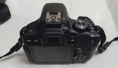 Canon 750D.with lense brush and camera bag