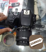 Canon camera 200d with two lenses