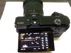 SONY Alpha A6000 with 16mm 55mm Lens Under Warranty