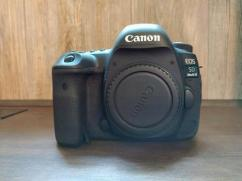 Canon EOS 80D 2MP Digital SLR Camera