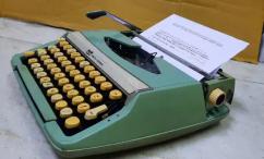 SCM Smirh Typewriter with box