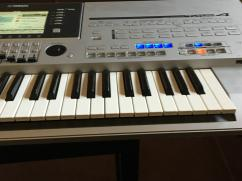 Yamaha Tyros 4 (61-Key Pro Arranger Workstation)