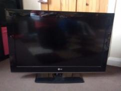 32 Inches LG LED TV In Working Condition