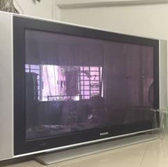 Very Less Used Flat TV Available