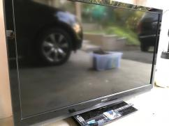 Sony Bravia With 52 Inch Display