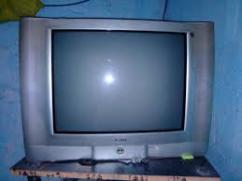 Very gently used onida CRT TV available