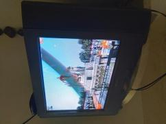 Sony Trinitron TV 32 inches is available for sale
