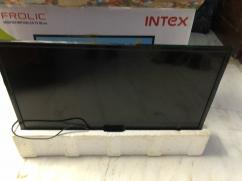 Intex LED 32 Inches - not smart, great condition almost new