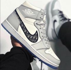 Comfortable branded sneakers