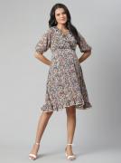 Ruffle Hem Lace Maternity Dress - Ditsy Floral Print