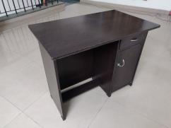 Used wooden Study Table