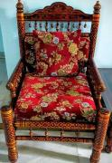 Attractive Sofa Chairs & Centre Table