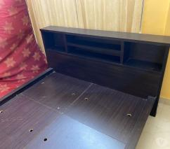 Gently used royal oak engineered wood queen size bed
