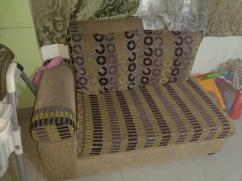 5 seater sofa set with removable cushions in good condition