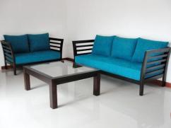 Stylish sofa set wiith center table