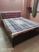 hydraulic queen size bed