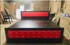 Stylish double bed with storage capacity