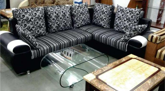 Corner Sofa Set In Black An White Colour