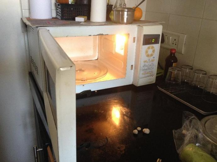 Used Samsung Microwave Oven