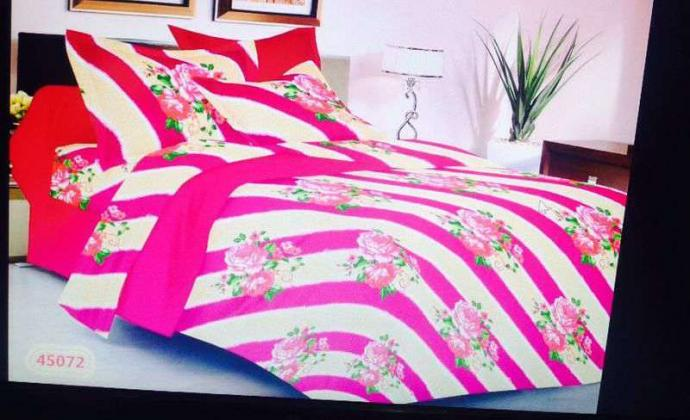 Valtellina india double bedsheet for sale In Pink And White Colour Print