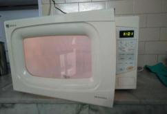 Microwave Oven In Working Condition