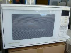 Well Maintained Microwave Oven Available